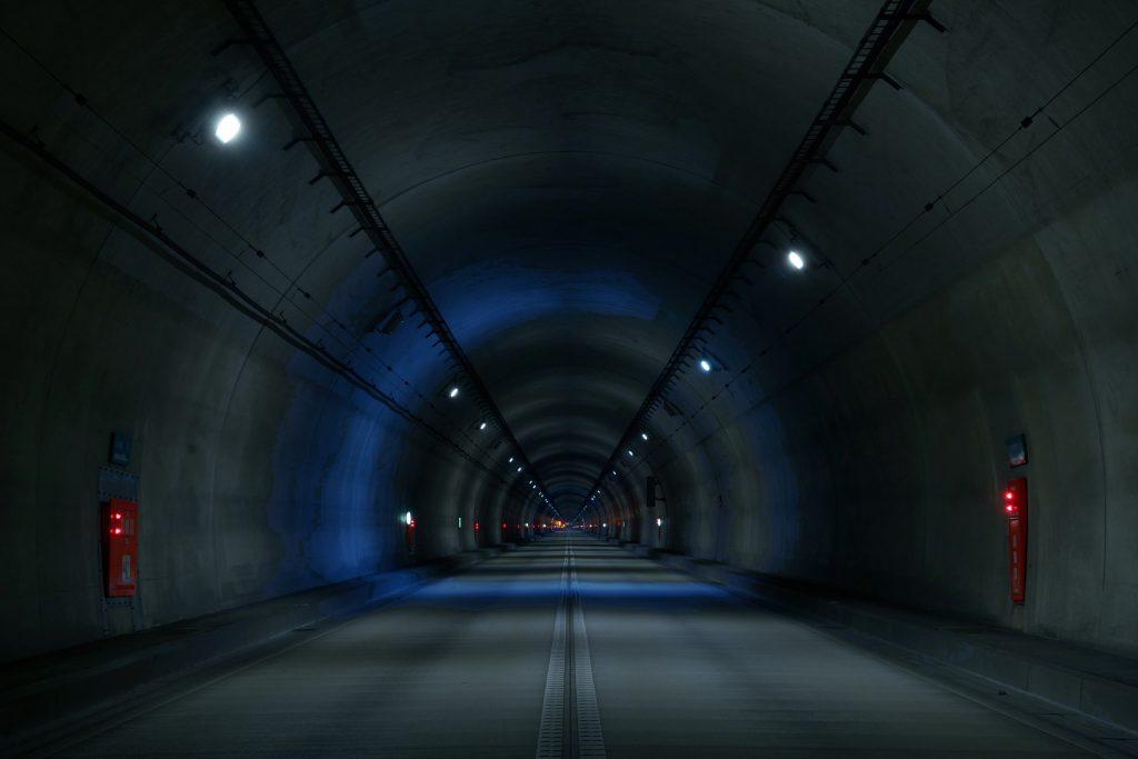 『 トンネルハンター 寂静・サイレントの風景 』